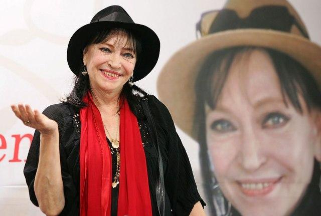 Почина познатата француска актерка Ана Карина