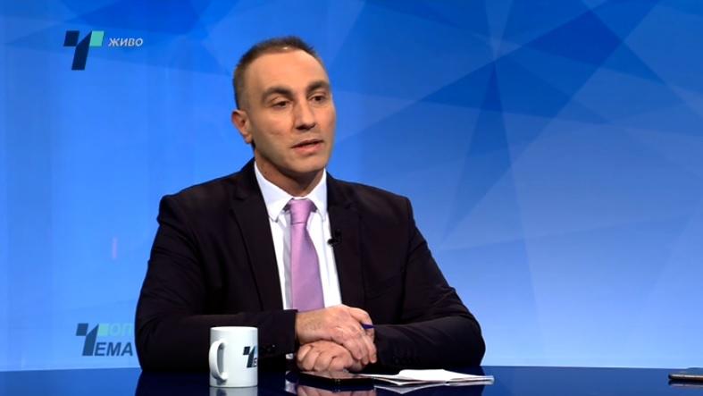 Груби: Апсурдно е со тројца Македонци да дискутирам за од Господ дадено право да зборувам албански