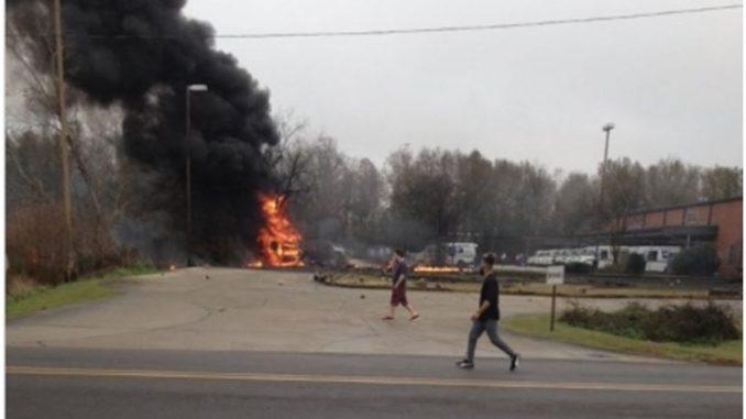 Авион се урна во Луизијана, петмина загинати