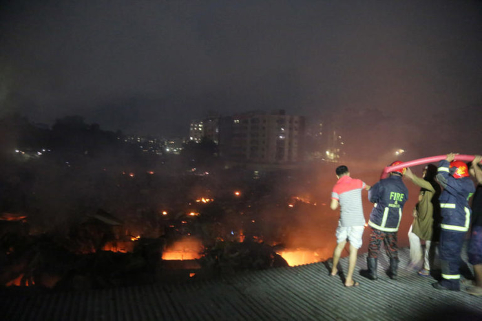 Најмалку осум жртви во пожар во фабрика во Бангладеш