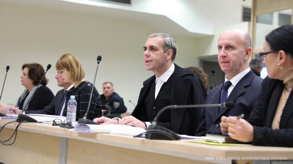Прво се жалеше дека не му е добро, после урлаше по Камчев во судница