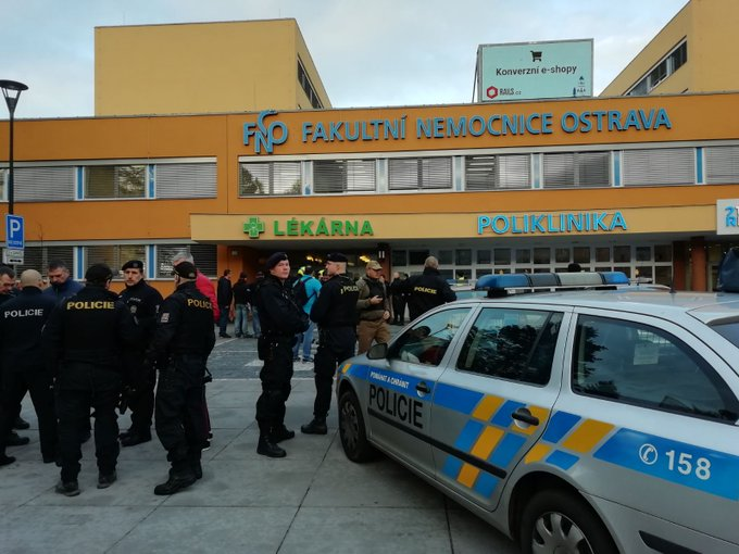 Пукање во болница во Чешка, најмалку шестмина мртви