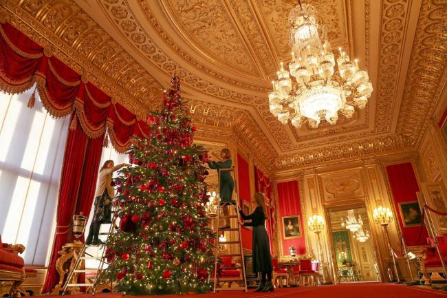 Католиците го слават Божик, оваа година без големи семејни собири