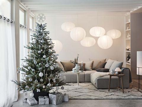 Каде да ја поставите новогодишната елка за да ви донесе пари и хармонија во домот