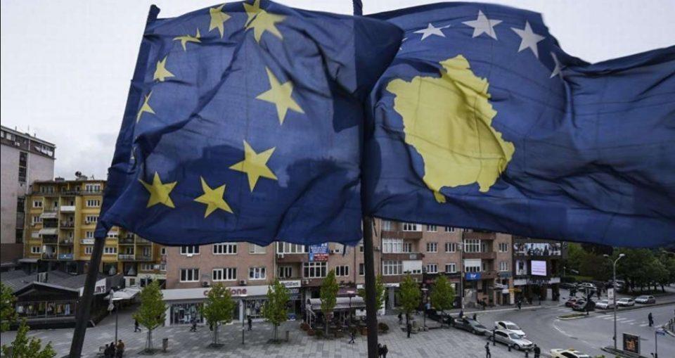 Пратеникот на Трамп: Србија да престане со каммпањата за повлекување на признавањата, Косово таксите
