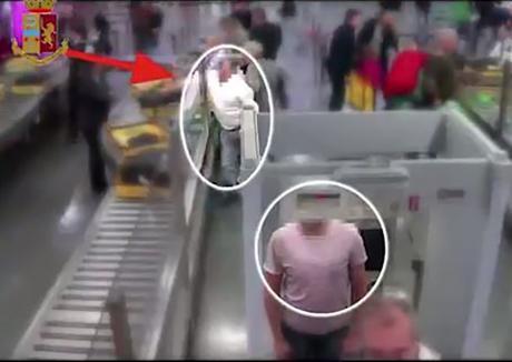 Неверојатен грабеж на аеродром: Украде 8 илјади евра на пасошка контрола