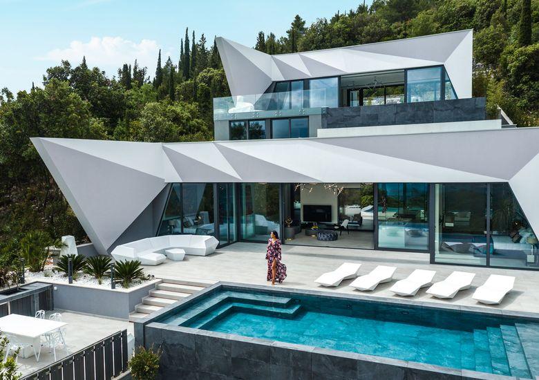 Архитектонско чудо во Хрватска: Луѓе од цела Европа доаѓаат само за да ја видат оваа куќа