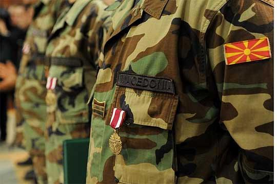 Нов скандал во Министерството за одбрана: Лице со безбедносен ризик поставен за командант во Штип
