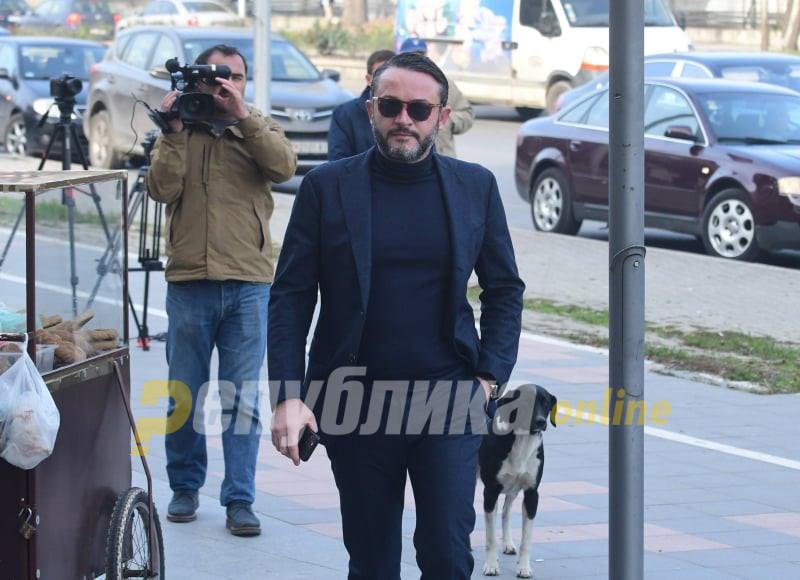 За малку ќе се степале: Камчев и Боки си кажале навредливи зборови пред судот