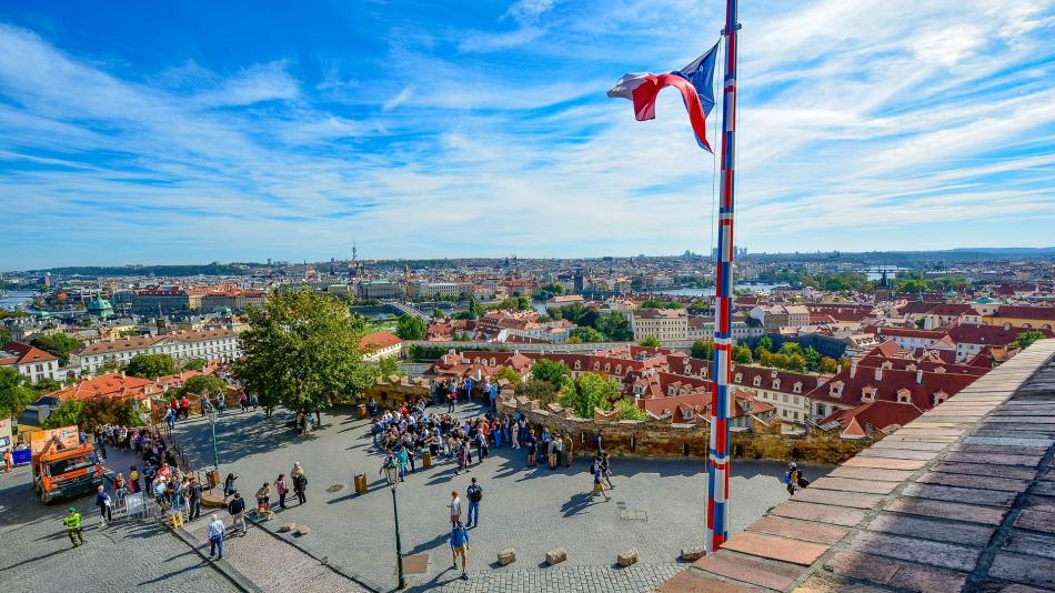 Просечната плата во Чешка е 1.160 евра