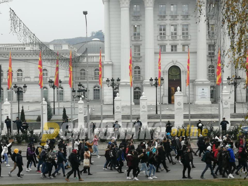 Протести или бојкот на настава најавуваат средношколците низ Македонија