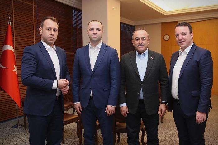 По победата на изборите ВМРО-ДПМНЕ ќе работи силно на привлекување инвеститори