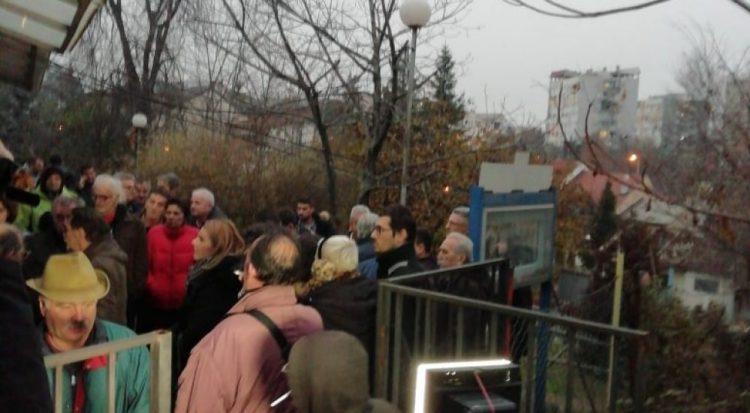 Жителите на Трнодол: Градоначалникот на Карпош пратил рекетари да се спречи јавната расправа