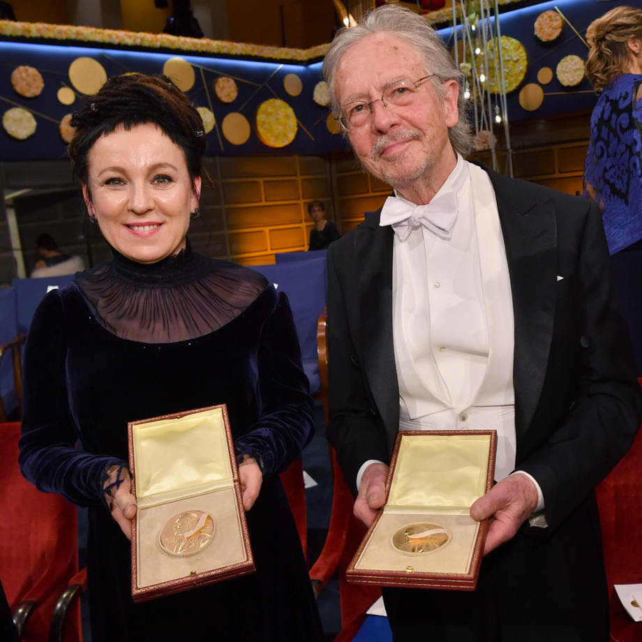 Шведска лекарка ја врати Нобеловата награда поради Хандке