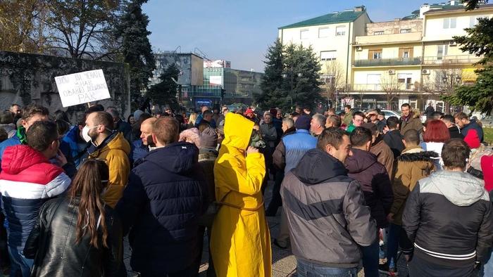 Кумановци протестираа за чист воздух: Негрижата на локалната власт доведе до енормно загадување