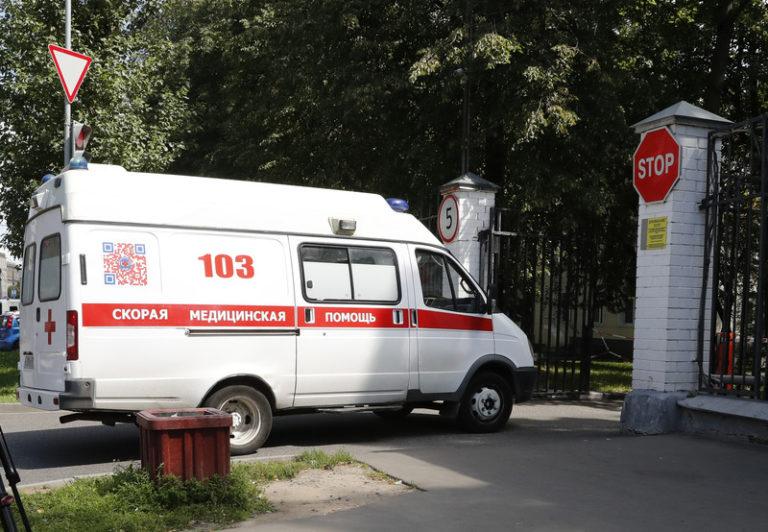 Во автобуската несреќа во Русија загинаа 19 лица, меѓу кои и две деца