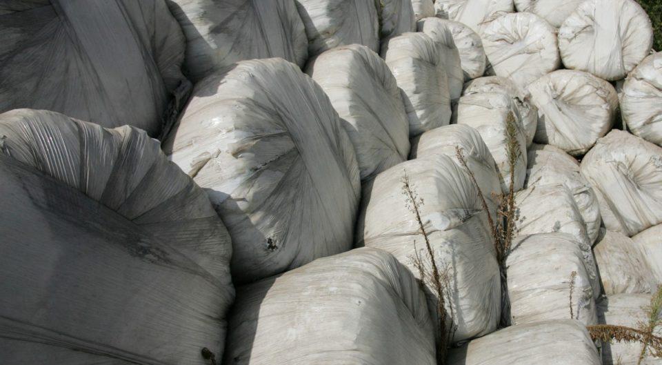 Нови 102 контејнери со отпад од Италија откриени на пристаништето во Варна