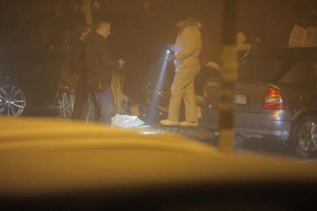 Маж застрелан пред сопругата и децата, сите излези од Белград се затворени