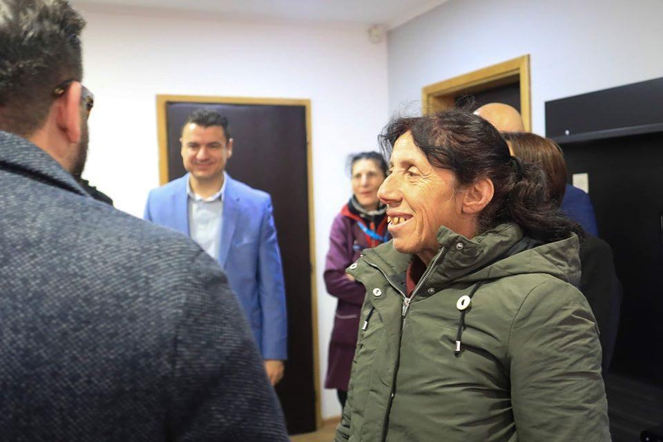 Oпштина Лозово ќе ја вработи Атиџе и ќе ѝ го смени покривот на куќата