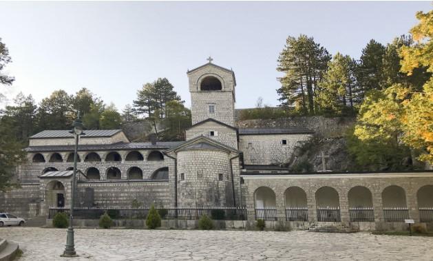 Српската црква во Црна Гора има имот од 11 милиони квадрати, најголем дел покрај море