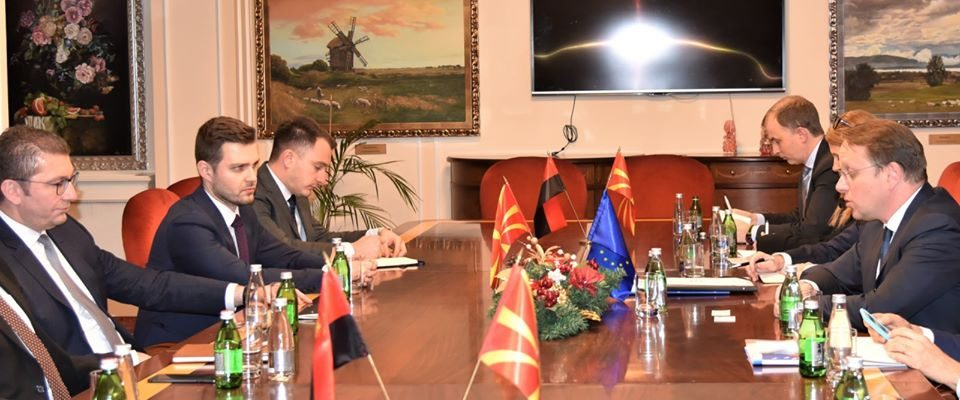 Мицкоски – Вархеји: ВМРО-ДПМНЕ има план како да ја стави државата на брзата трака за членство во ЕУ