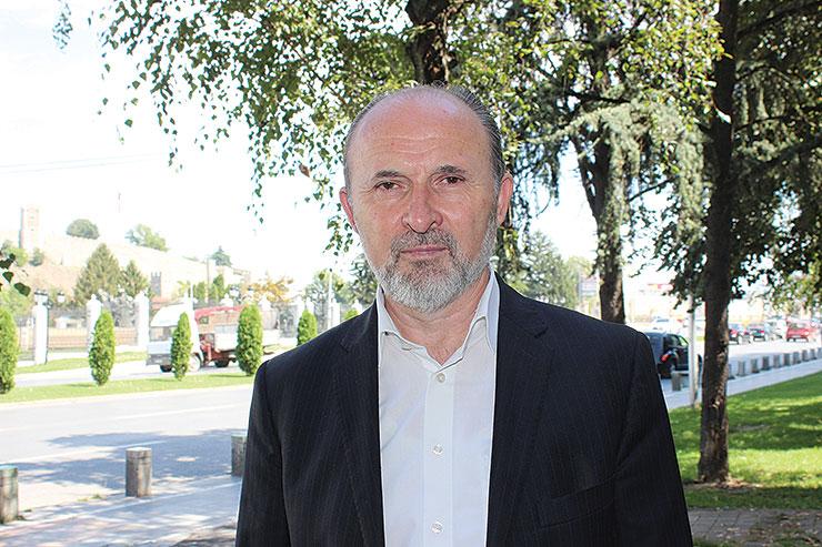 Трајановски: Петре, Скопје се сака со работа!