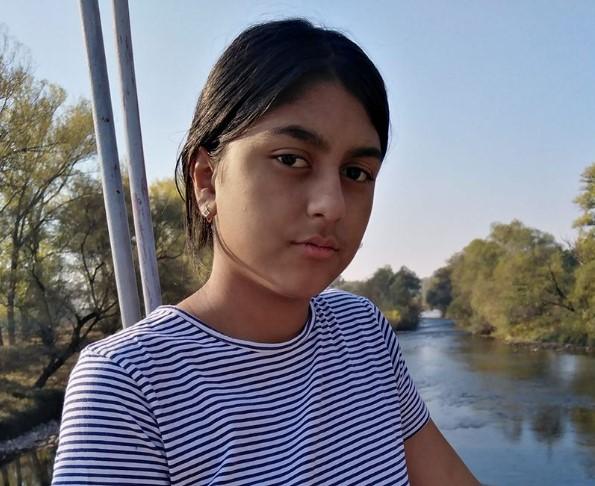 Моника, киднапираната од Малчанскиот бербер е пуштена на домашно лекување