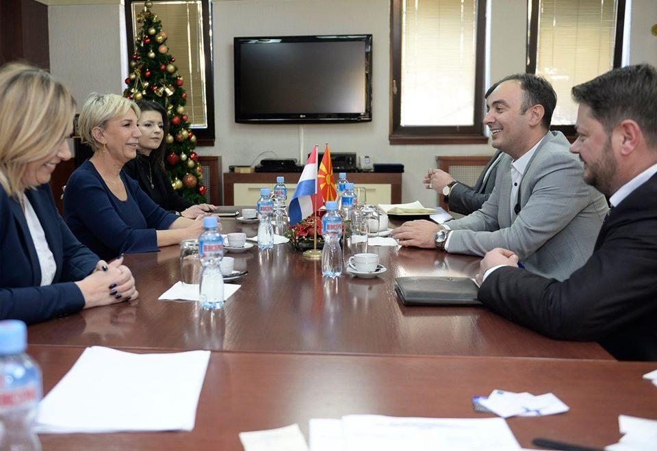 Чулев на средби со амбасадорите на Холандија, Хрватска, Унгарија,Чешка: Обезбедуваме фер и демократски избори!