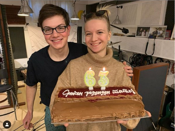 Влатко Стефановски ја доби најубавата честитка за роденден од Ана и Јан