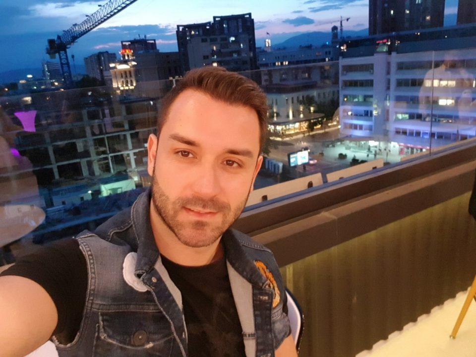 """Стефан Величковски подготвува нова песна: """"Остани со мене"""" ќе биде објавенa на 14 февруари"""