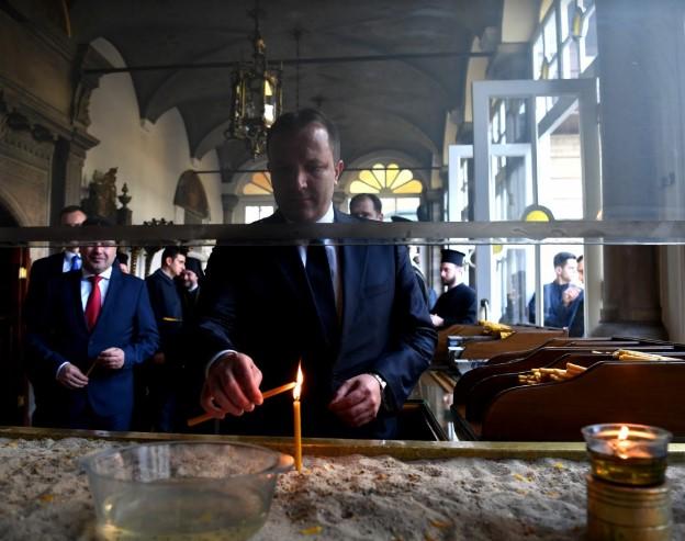 Што бара Заев со премиерот кај Вартоломеј во Истанбул?