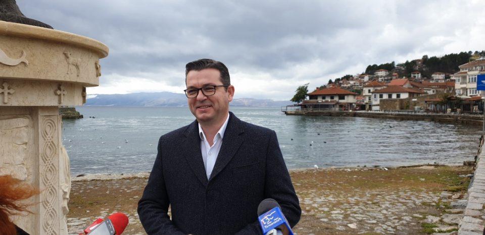 Трипуновски: Засилени контроли за заштита на рибата во Охридското Езеро