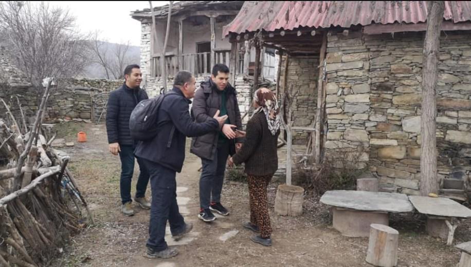 """Mинистерот Хасан пешки помина 36 километри за да ја посети Атиџе од """"Медена земја"""""""