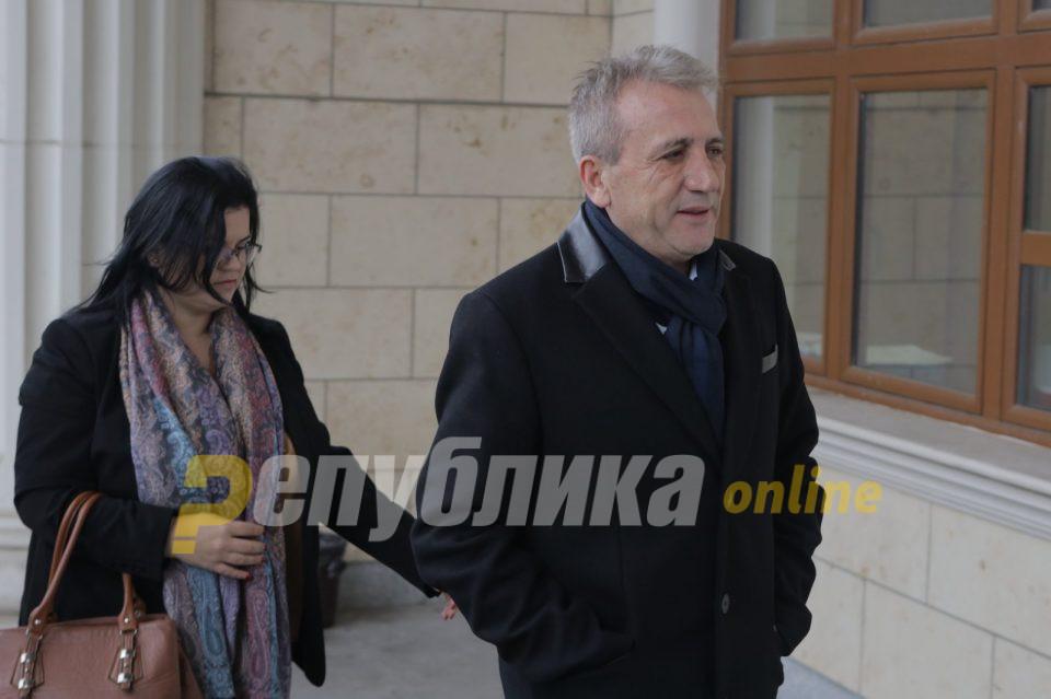 """Цановски не сакаше да одговори дали ги има доплатено комуналиите за """"Космос"""""""