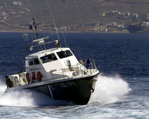 Грчката морнарица отворила оган во Егејското Море: Повредени двајца турски државјани