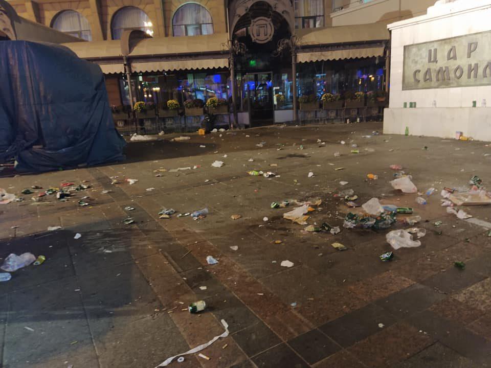 Како изгледаше Плоштадот по концертот на Дино Мерлин?