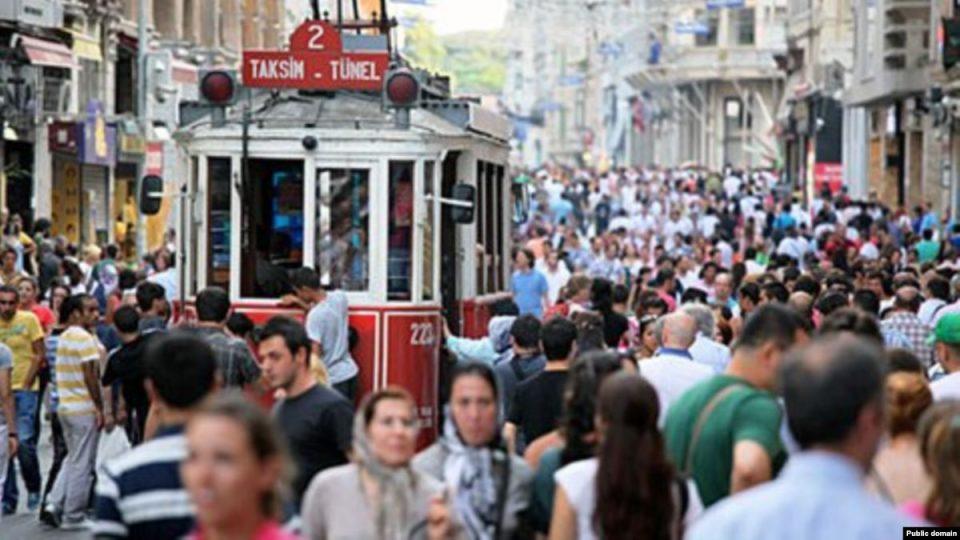 Мајките на мали деца во Истанбул ќе добијат бесплатни билети за градски сообраќај