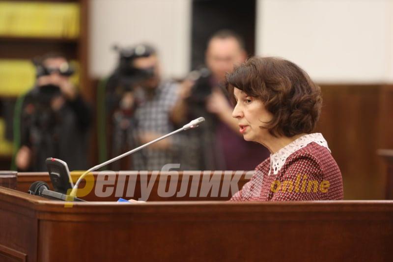 Силјановска Давкова: Спасовски, среде ноќ, небаре во полициска држава, во името на Уставот, го згази Уставот
