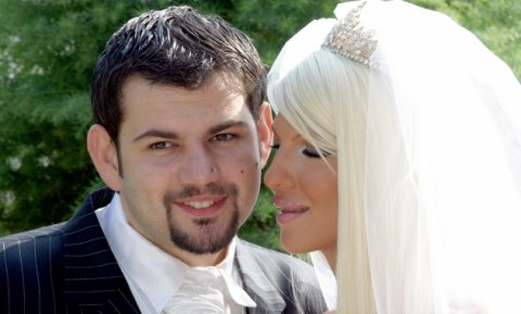 Поранешниот сопруг на Карлеуша процвета откако се прежени