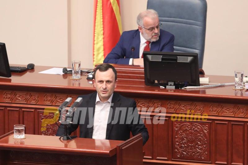 Joван Митревски од СДСМ: Гласањето на пратеници со скафандери е по сите протоколи