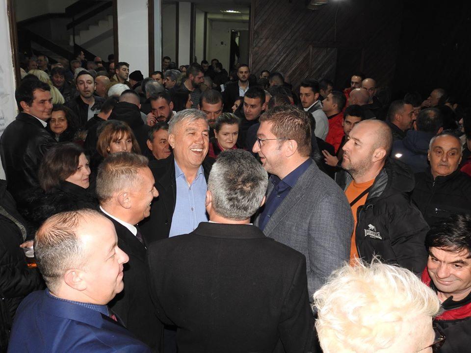 Кичевци во преполна сала го пречекаа идниот премиер на Република Македонија Христијан Мицкоски