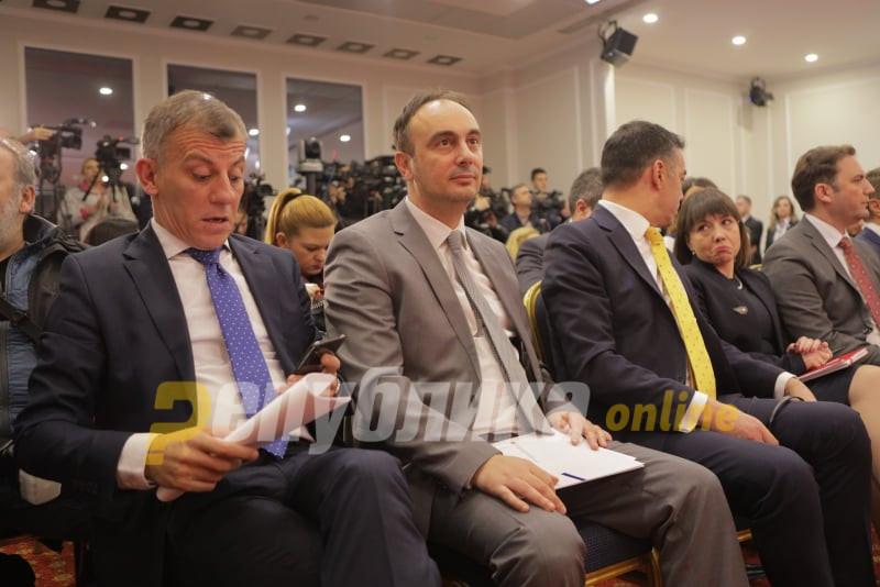 Чулев го приложи документот од Управниот суд: Владата незаконски ги поништила моите одлуки