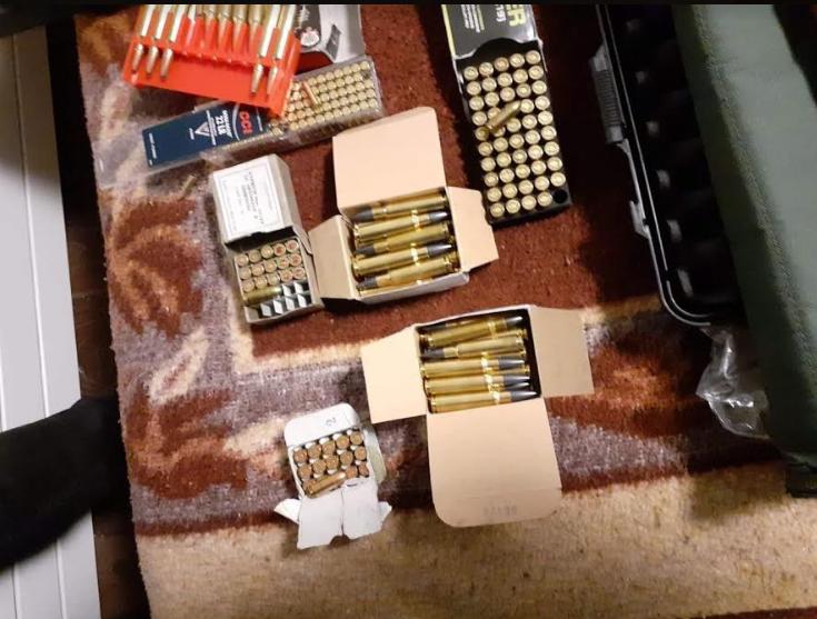 Претрес во Крушопек, приведено едно лице за недозволено поседување оружје