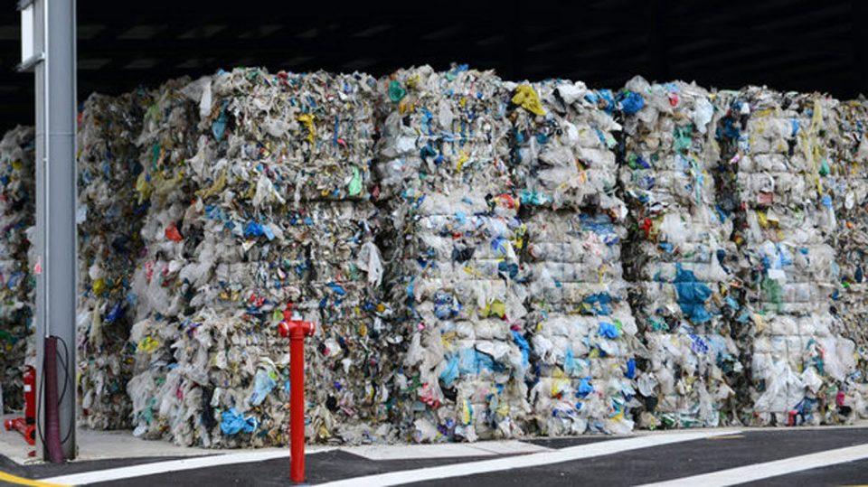 Левица: Потребна е целосна забрана за увоз на отпад