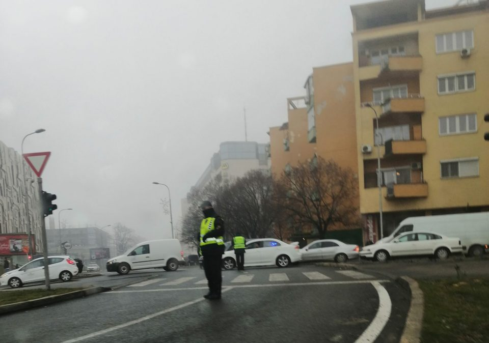 Пазарџиите и денеска на протест, блокиран центарот на градот