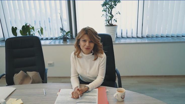 """Би сакала да глумам во """"Валкан танц"""", не можам да живеам без појадок – 30 прашања со Сања Лукаревска"""