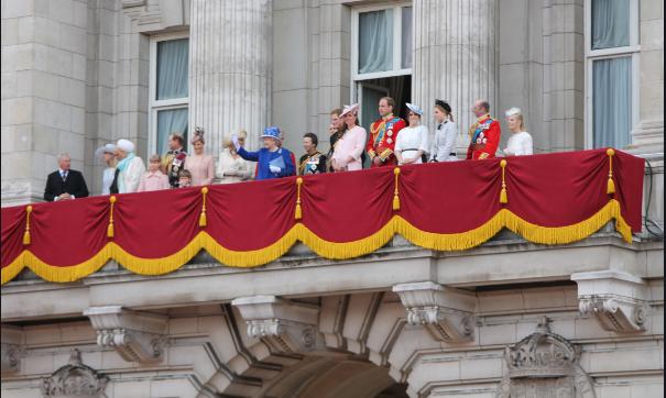 Кралицата Елизабета Втора лани работела вкупно 67 дена