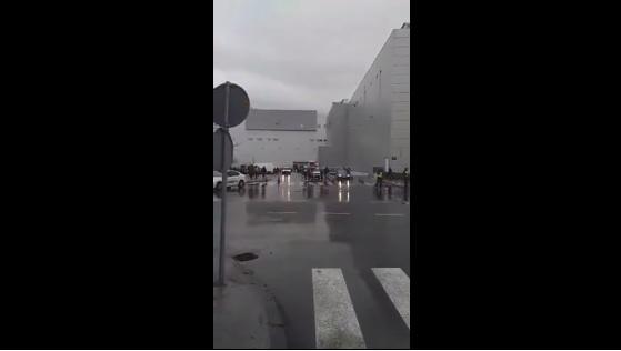 Нема бомба во тоалетот и ходниците, се претресуваат дуќаните во Сити Мол