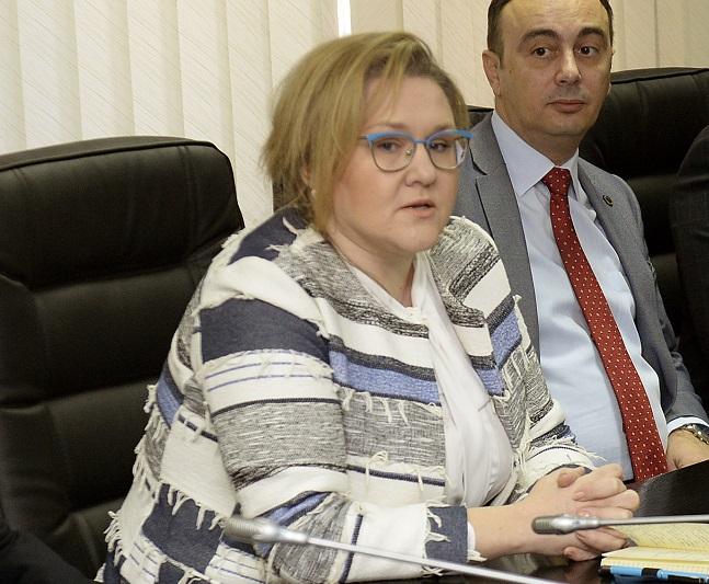 Петровска испратила допис до Чулев: Возилата се неопходни и нема да се вратат