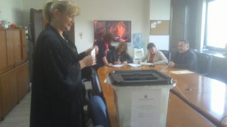 Скандал во изборот за член на Судски совет: Еден кандидат се повлекол под притисок, а го гласаа